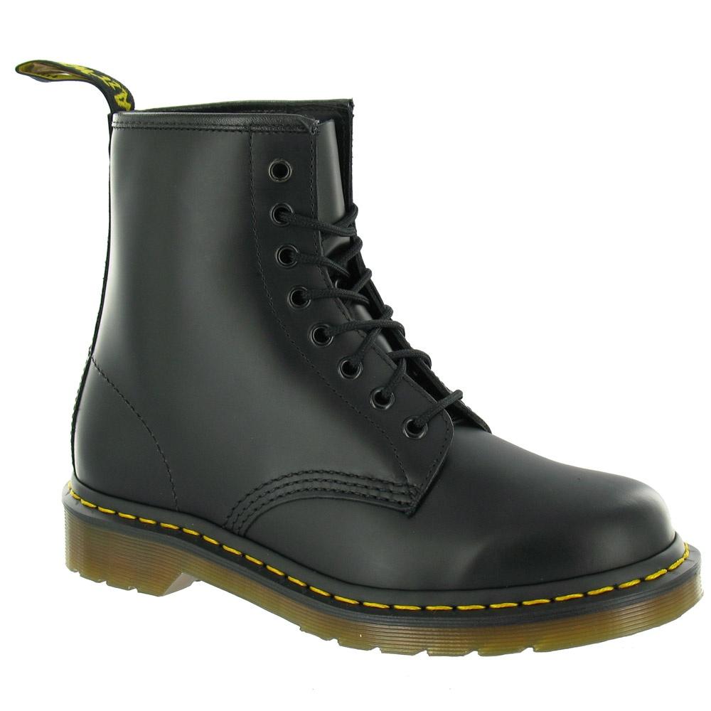 dr martens 1460 unisex classic leather ankle boots black